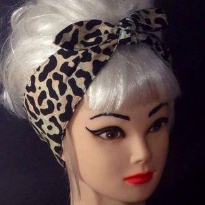Cheetah Pin-Up Headwrap